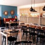 Restaurant Basalte en Agde, plongée en Méditerranée avec les bouteilles La Gorge Fraîche accrochée au dos ! (photo page FB Basalte)