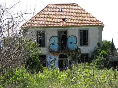 maison hantee herault