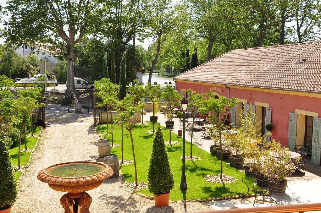 Le restaurant chambres d'hôtes à Poilhes Vinauberge
