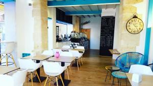 Vous pourrez boire notre bière artisanale Bio à Béziers au coffee shop CQFD
