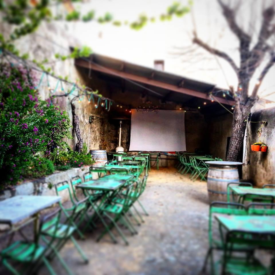 nos bières artisanales sont disponibles dans l'Aude à Ginestas chez l'oncle jules