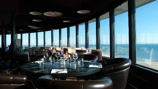 la vue exceptionnelle du restaurant le phare à palavas les flots