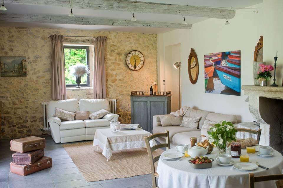 mas des violettes 2 la gorge fra che. Black Bedroom Furniture Sets. Home Design Ideas